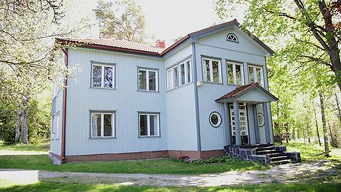 BLUE HOUSE FULL VIEW OUTSIDE.jpg