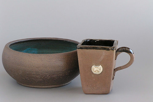 Brown medium serving bowl