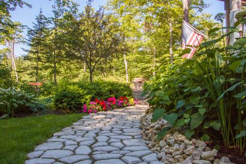 Mac.gardens.Riels.path.JPG