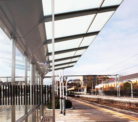 Crossrail platform shelter.png