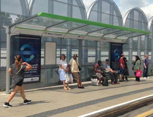 Croydon tramlink shelter 2.png
