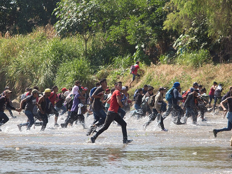 Chaos at Guatemala-Mexico border as caravan tries to advance