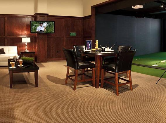 Maggie-McFlys-Indoor-Golf.jpg