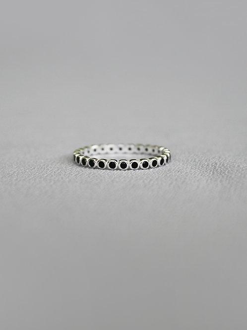 טבעת קרוסטאלוס שחורה