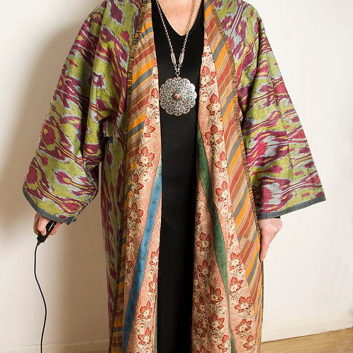 Fine polished silk cotton handmade IKAT robe  UZBEK Central Asia late 19th early