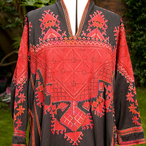 Traditional Syrian hand embroidered dress Mid 20th century
