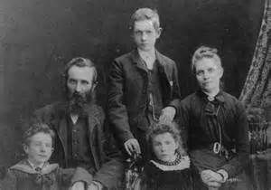 Old time family photo.jpg