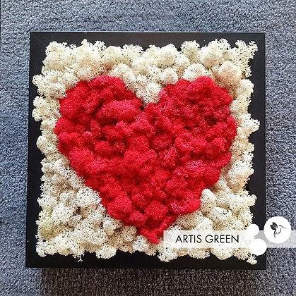 Картина из стабилизированного мха «Red Heart»