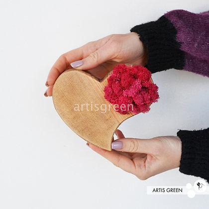Сердце из дерева со стабилизированным мхом, розовый