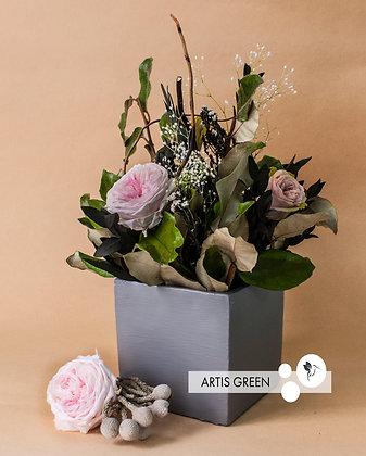 Композиция «Concrete with flowers»