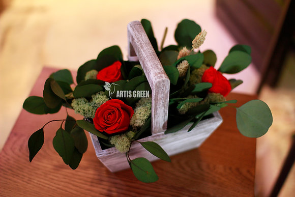 Экокорзинка из красных роз