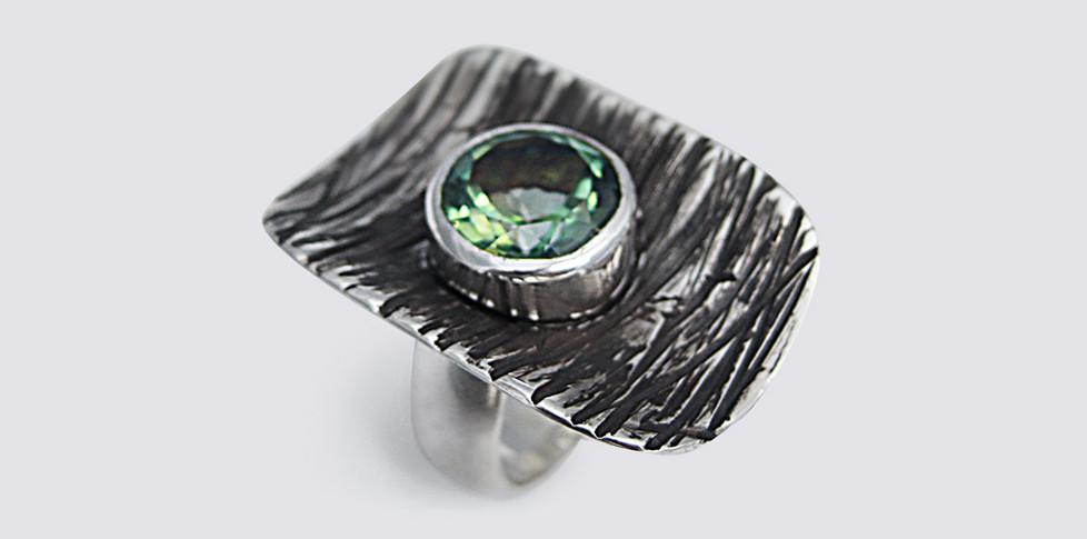 peridot-stone-set-textured-ring.jpg