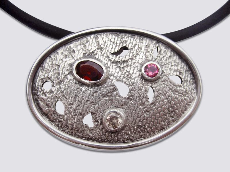 Garnet, Tourmaline lace print pendant