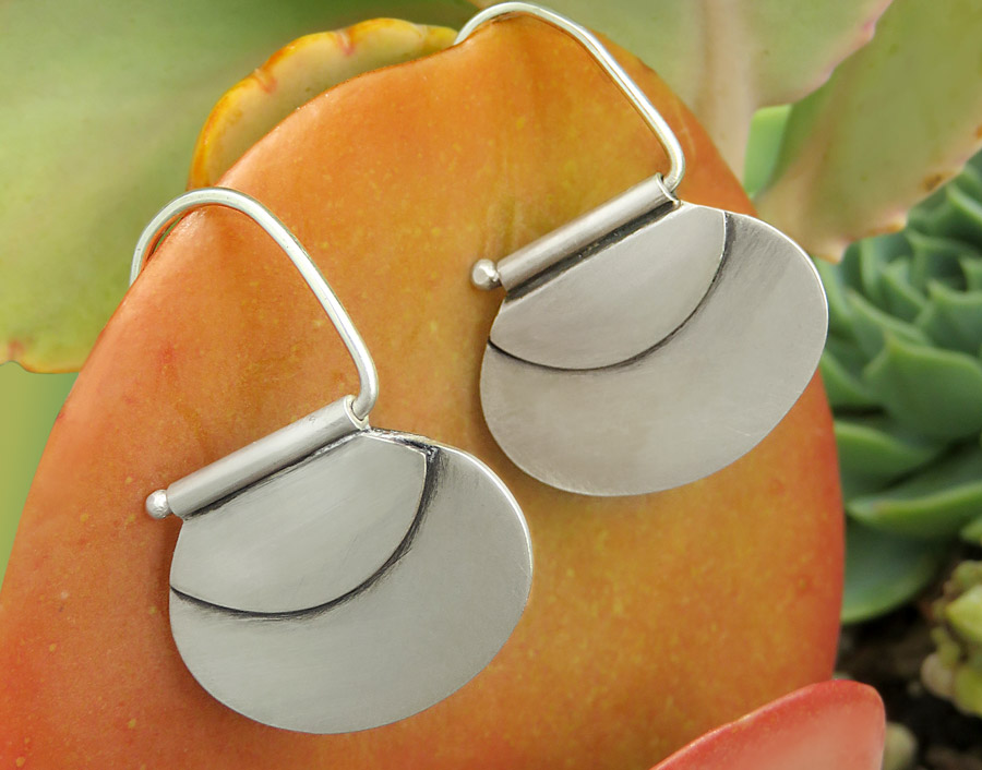 Silver Oval Mat Hook Earrings