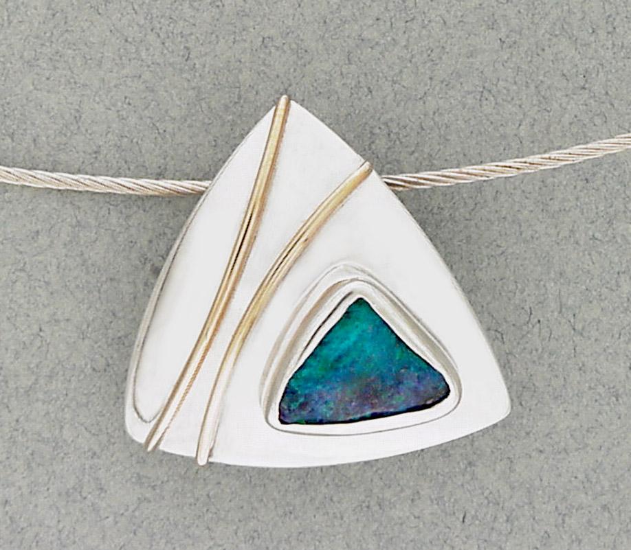 Opal triant pendant