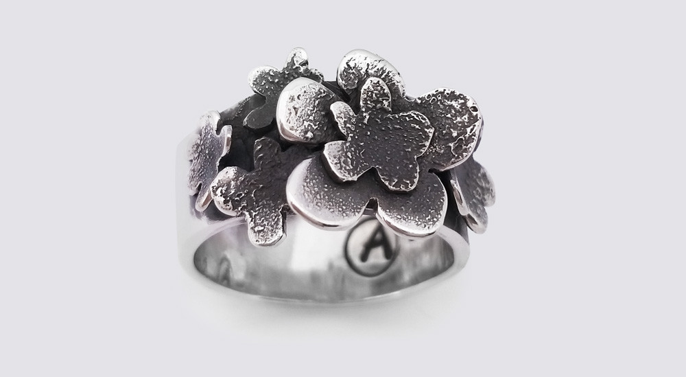 Student multiflower ring