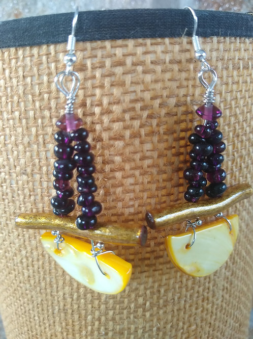 Purple Garnet; yellow shell/gold painted coral