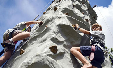 Boysclimbing mobile climbing wall