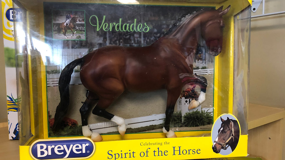 Breyer Traditional Verdades KWPN Horse 1:9 SCALE