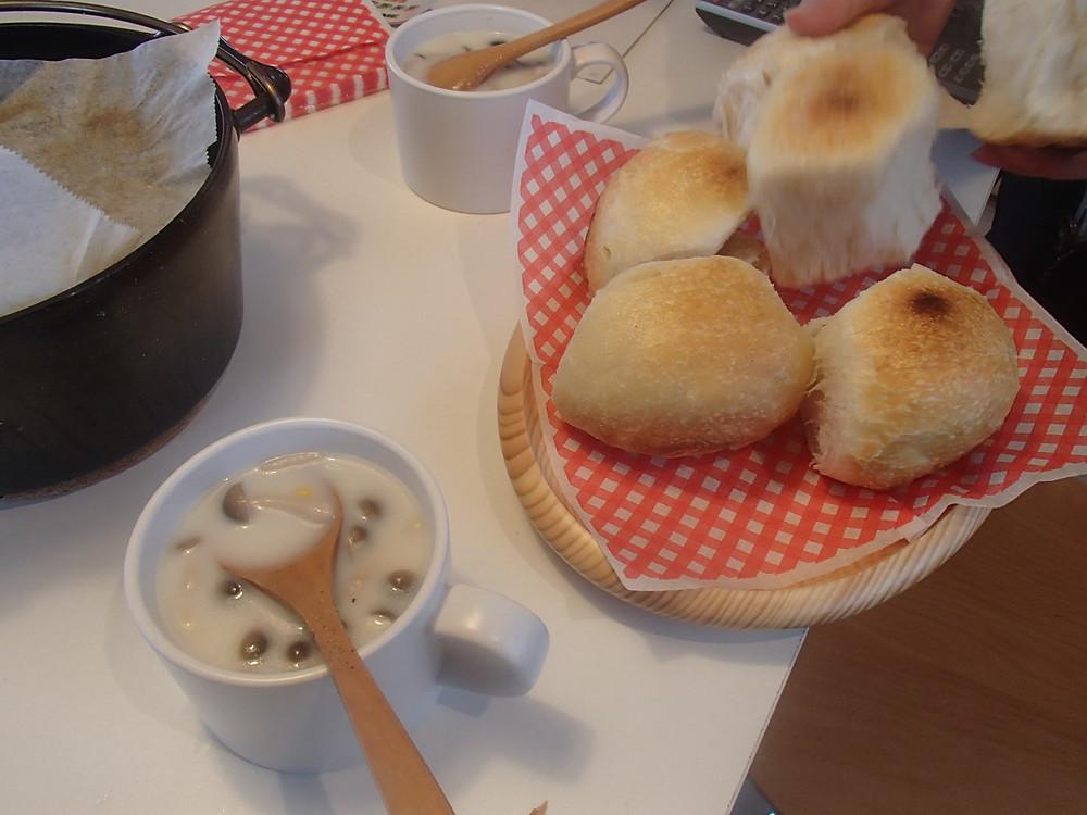 自分で作った焼きたてのパンは格別