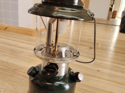 キャンプ用にコールマンのガソリンランタン(286A)を購入するも、一度も使うことなく届いたその日に灯油(ケロシン)仕様に改造した。