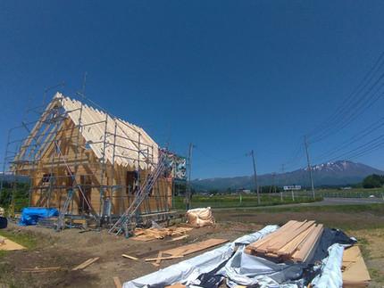 [施工事例] 岩手山を望む立地でログハウス