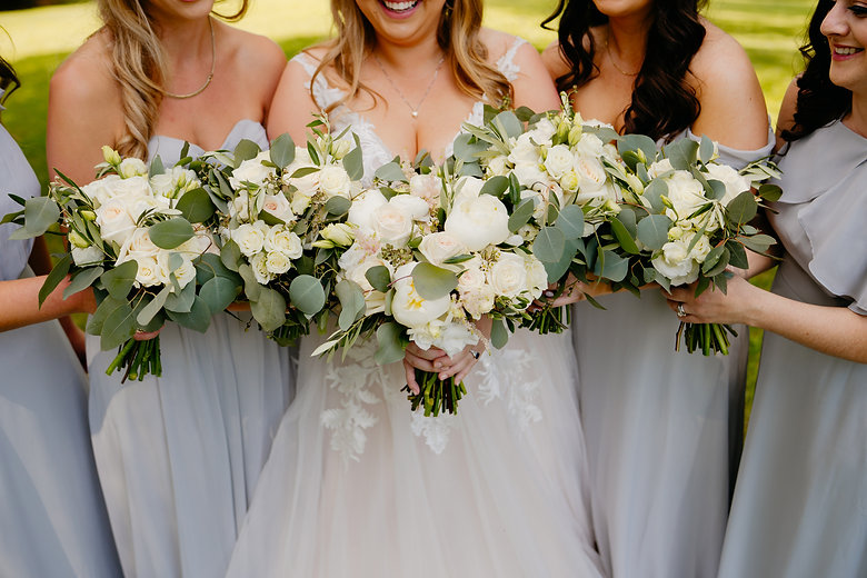 wedding flowers, bride and bridesmaids