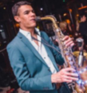 Viral Music music agency saxophone weddi
