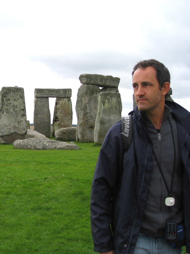 Ayo at Stonehenge (UK) in 2009