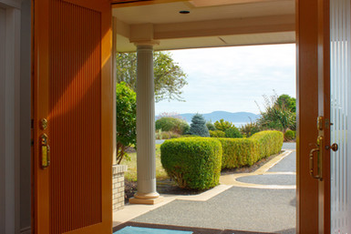 09-view-from-entry.jpg