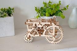 Model Tractor Ugears