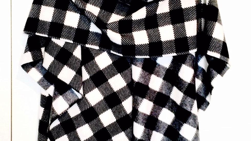 Ladies Wrap - Black & White Buffalo Check
