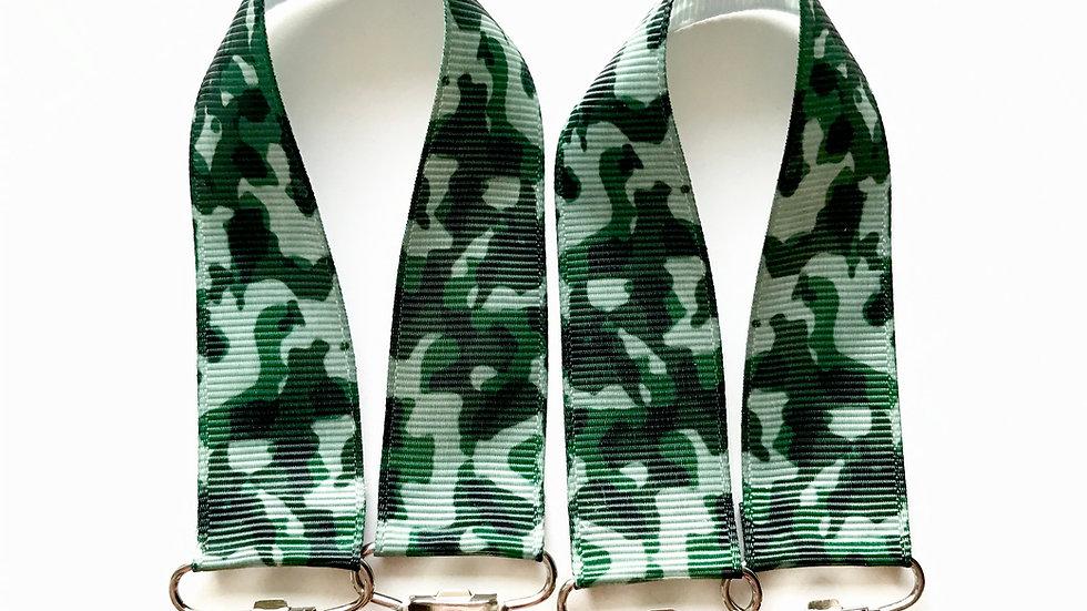 Green Camo Mitten Clips