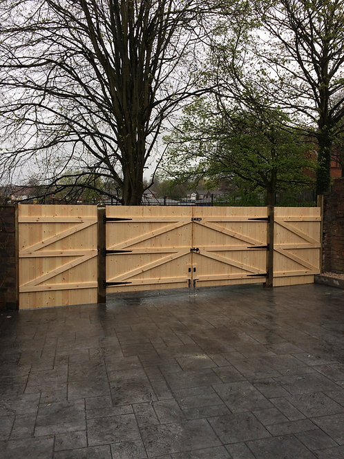 "5FT 6"" HIGH STRAIGHT TOP DRIVEWAY GATES"