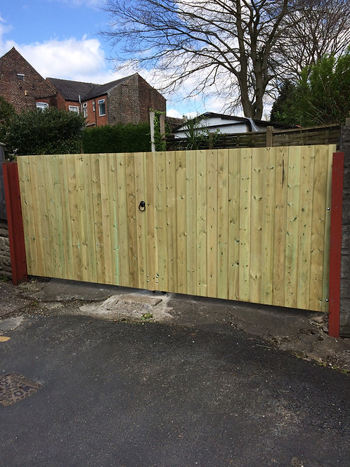 MADE TO MEASURE PRESSURE TREATED DRIVEWAY GATES