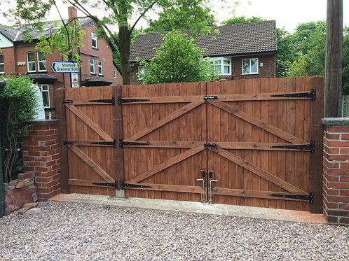 MADE TO MEASURE DRIVEWAY AND GARDEN GATE