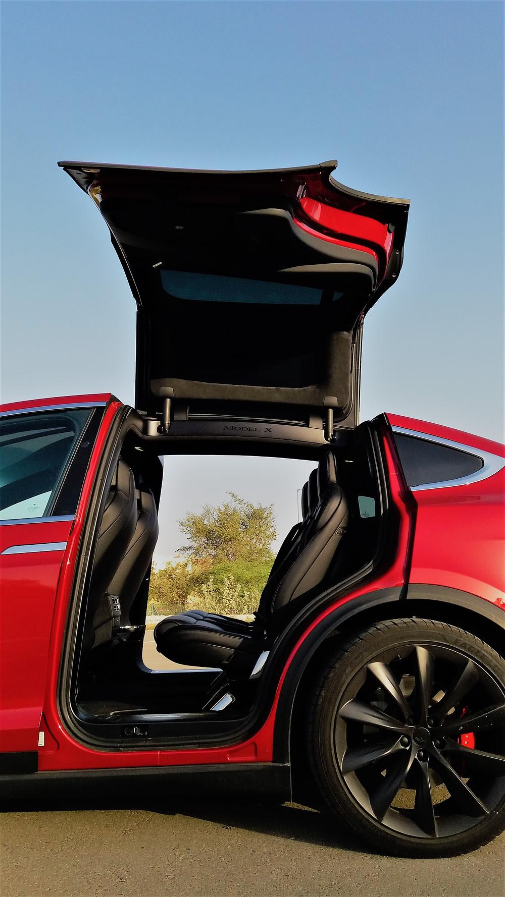 Tesla Model X Gull Wing doors
