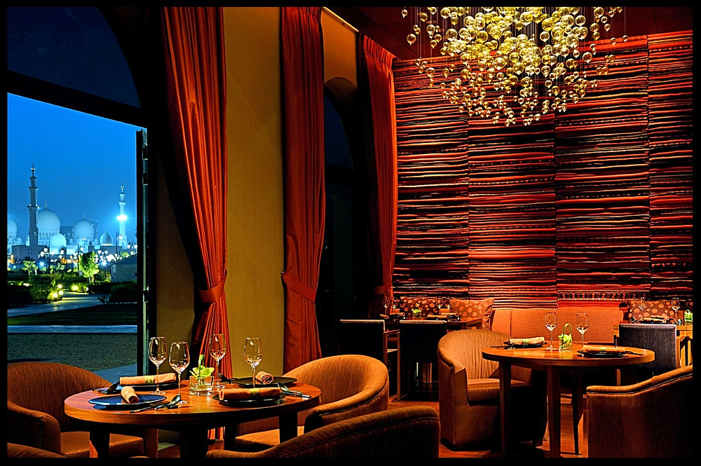 Li Jiang Restaurant with Sheikh Zayed Grand Mosque