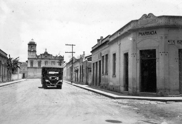 36. Rua d. Pedro II,  d_cada de 1940. Au