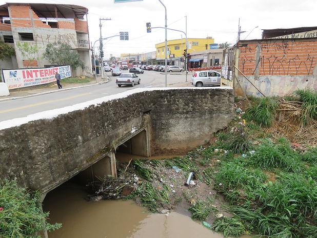 6. Lavras. Ribeirão das Lavras e centro