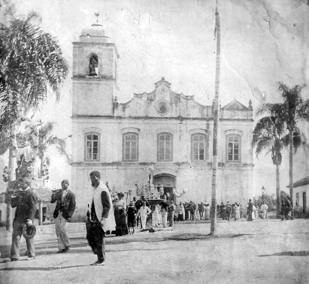 10. Prociss_o Igreja Matriz (1906). Auto