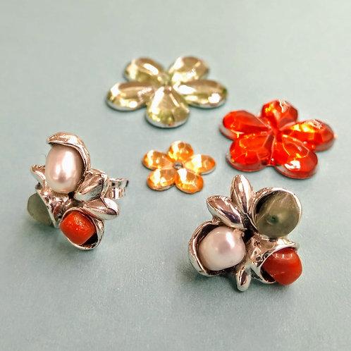 Pendientes plata con coral, perla y aventurina.