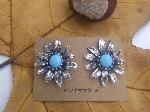 Pendientes piedra natural turquesas en plata cierre omega.