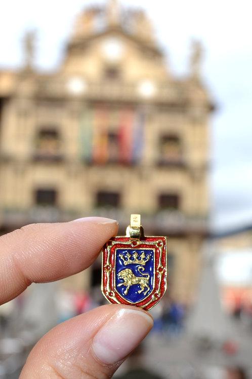 Escudo Pamplona en oro y esmalte