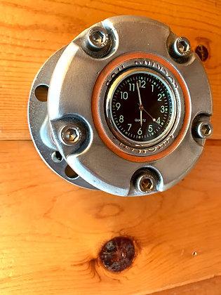 Free Wheeling Hub Clock