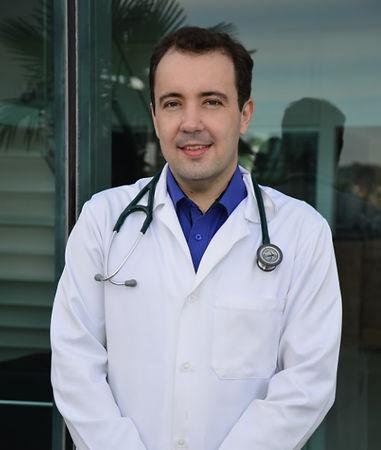 foto dr. Thiago.jpg