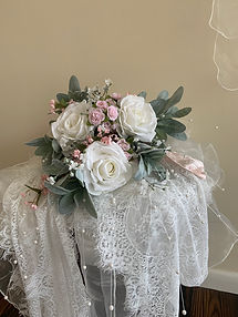 Pink & white bouquet.jpg