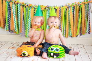 2 Kids, 2 Cakes | Twins 1 Year Celebration