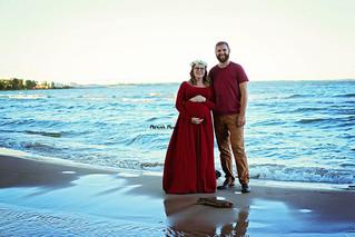 Beach Maternity | Manitowoc Family Photographer