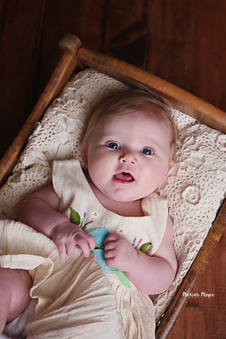 Mia 3 Months| Milestone | Manitowoc Childrens Photographer